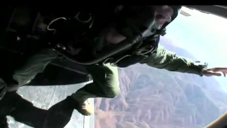 Navy-Seals-Paracaídas-Desde-Un-Avión