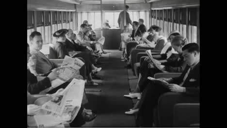 New-Luxury-Streamlined-Train-Comes-With-A-Full-Bar-In-1936