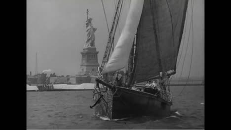 A-Boat-Sails-Around-The-Statue-Of-Liberty-In-1939