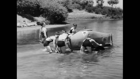 Un-Submarino-De-Un-Solo-Hombre-Se-Construye-En-1934
