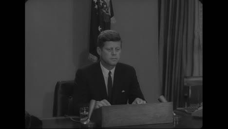 El-Presidente-Kennedy-Pronuncia-Un-Discurso-Sobre-La-Igualdad-De-Derechos-Para-Todos-En-1963-