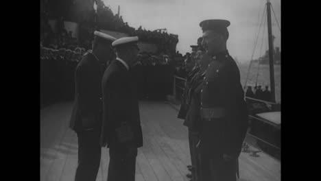 Devoten-Sturdee-Espera-La-Llegada-Del-Rey-Jorge-En-Hms-Hercules-En-1918