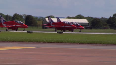The-Raf-Red-Arrows-Taxiing-And-Takeoff-At-Fairford-Uk