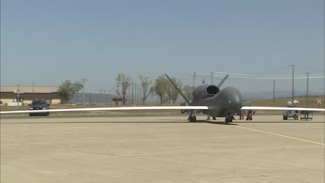 Army-Personnel-Prepare-A-Rq4-Surveillance-Drone-For-Flight