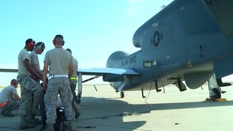 Army-Personnel-Prepare-A-Rq4-Surveillance-Drone-For-Flight-1
