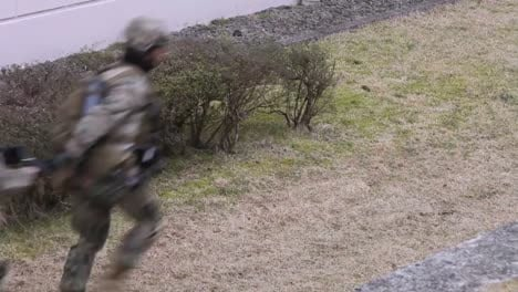 Marines-Conduct-A-Simulated-Raid-Of-A-Building