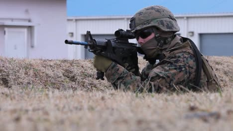 Marines-Conduct-A-Simulated-Raid-Of-A-Building-1