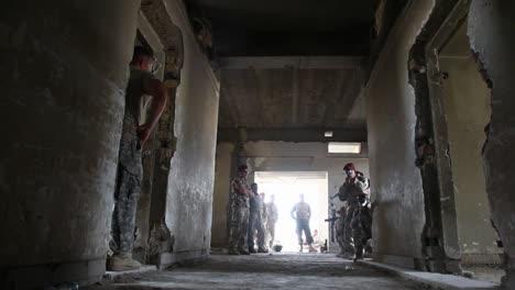 Us-Soldiers-Train-The-Iraqi-Army-In-Commando-Tactics-1