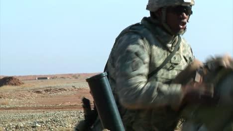 El-Ejército-Iraquí-Practica-Fuego-De-Mortero-En-Kirkush-Bajo-La-Supervisión-Y-Capacitación-De-Los-Estados-Unidos-2