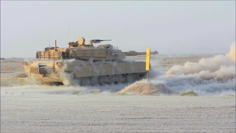 Abrams-Tanks-Fires-During-The-Iraq-War