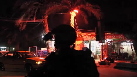 American-Soldiers-Go-On-Nighttime-Foot-Patrol-On-The-Streets-Of-Baghdad-During-The-Iraq-War-1