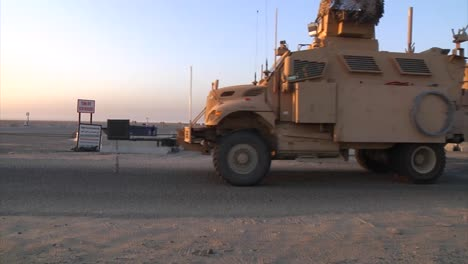 A-Us-Transport-Convoy-Moves-Through-Iraq-During-The-War-4