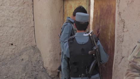 Afghan-Policía-Aided-By-Us-Military-Search-Houses-In-A-Remote-Village-In-Afghanistan-2