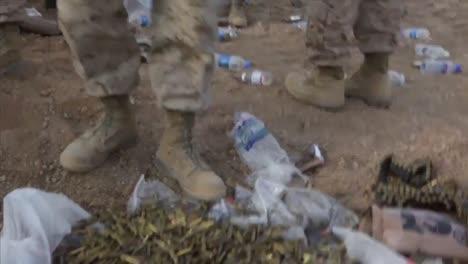 Wir-Soldaten-Zerstörten-Ungenutzte-Kampfmittel-In-Der-Afghanischen-Wüste