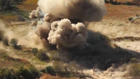 Eine-Massive-Explosion-Erschüttert-Ein-Afghanisches-Dorf-4