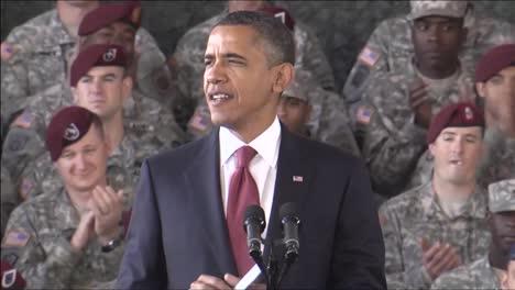 El-Presidente-Barack-Obama-Honra-A-Las-Tropas-En-Un-Discurso-En-Ft-Bragg-Carolina-Del-Norte-1