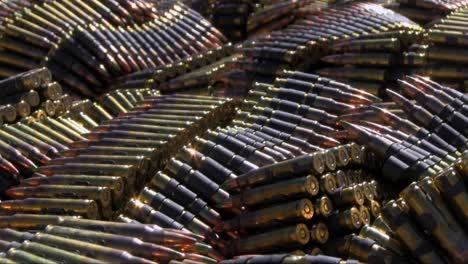 Los-Marines-Estadounidenses-Practican-Disparando-Ametralladoras-En-Ejercicios-De-Campo-De-Batalla