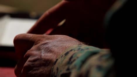 Nosotros-Los-Marines-Nos-Preparamos-Para-Disparar-Pistolas-En-Un-Campo-De-Tiro