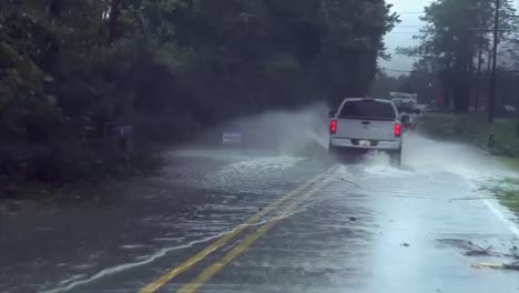 Hurricane-Irene-Slams-Into-North-Carolina-In-2011-3