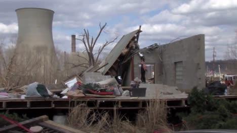Die-Stadt-Moskau-Ohio-Wird-2012-Von-Einem-Tornado-Verwüstet