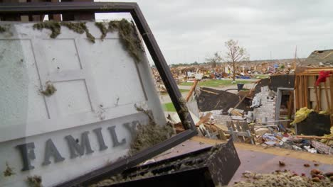 Residents-Pick-Through-The-Ruins-Of-Their-Homes-After-The-Devastating-2013-Tornado-In-Moore-Oklahoma-10