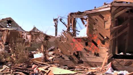 Ein-Tornado-Von-2011-Verwüstet-Tuscaloosa-Alabama-3