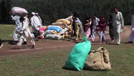 Die-USA-Helfen-Pakistan-Mit-Humanitärer-Hilfe-Und-Fluthilfe