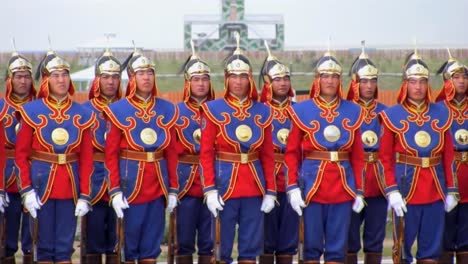 Exercise-Khaan-Quest-2013-Features-Us-Military-And-Good-Shots-Of-Mongolian-Lwarrios-In-Costumemeeting-In-Mongolia