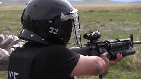 Los-Soldados-Estadounidenses-Entrenan-Equipos-De-Comando-De-La-Policía-De-Mongolia-Y-Fuerzas-Armadas-En-Un-Campo-De-Tiro-3