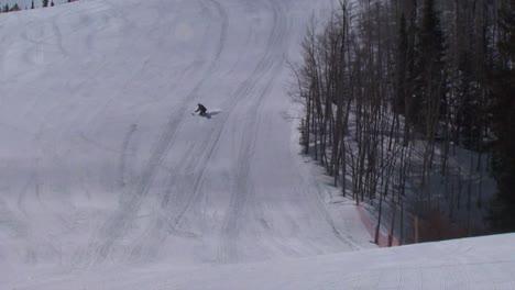 Un-Veterano-Herido-Compite-En-Deportes-De-Invierno-En-Una-Estación-De-Esquí-3