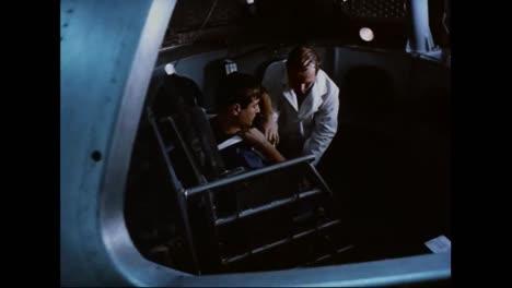 Los-Astronautas-Estadounidenses-Se-Preparan-Para-Un-Vuelo-Espacial-En-1970-4