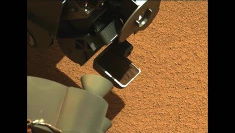 Nasa-Curiosity-Rover-Perfora-Y-Toma-Muestras-De-Rocas-En-Marte-Y-Encuentra-Un-Objeto-Extraño