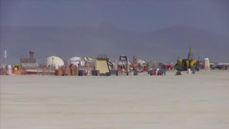 Escenas-Del-Festival-Del-Hombre-Ardiente-De-2013-En-El-Desierto-De-Black-Rock-De-Nevada-1