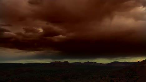 Hermoso-Lapso-De-Tiempo-De-Nubes-Sobre-El-Desierto-De-Arizona