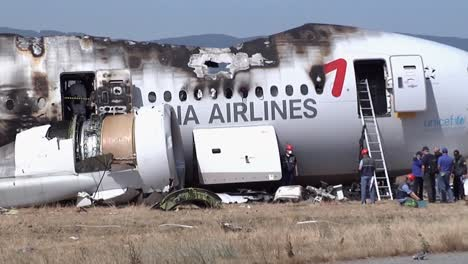 Footage-Of-The-Asiana-Airlines-Crash-In-San-Francisco-In-2013-2