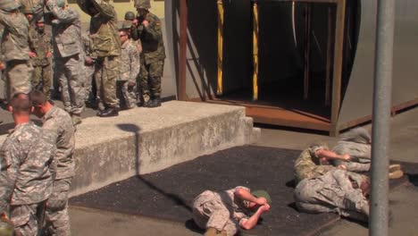 International-Soldiers-Are-Trained-As-Paratroopers