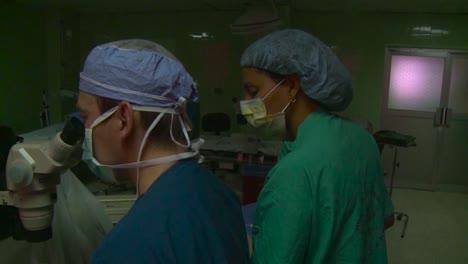 Los-Médicos-Militares-Estadounidenses-Tratan-A-Los-Enfermos-En-La-República-Dominicana-1