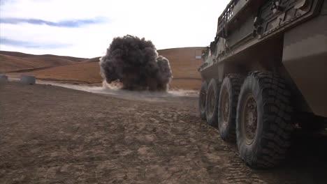 Varios-Dispositivos-Ied-Explotan-Junto-A-La-Carretera-En-Afganistán-2