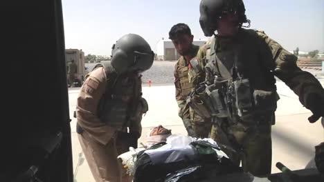Us-Army-Flight-Medics-Train-Afghan-Air-Force-In-Medavac-Of-Two-Injured-Afghan-Fighters-3