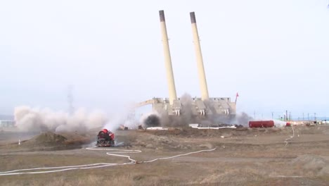An-Old-Power-Plant-Is-Blown-Up-To-Make-Way-For-Cleaner-Energy-6
