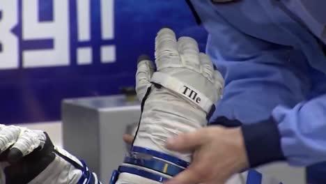 Los-Cosmonautas-Rusos-Están-Preparados-Para-Un-Vuelo-Espacial-A-La-Estación-Espacial-Internacional-2