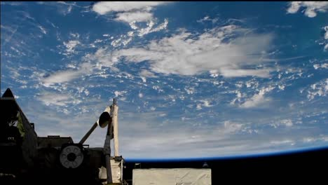 Beautiful-Shot-From-The-International-Space-Station-Of-Storms-And-Clouds-On-Earth-1