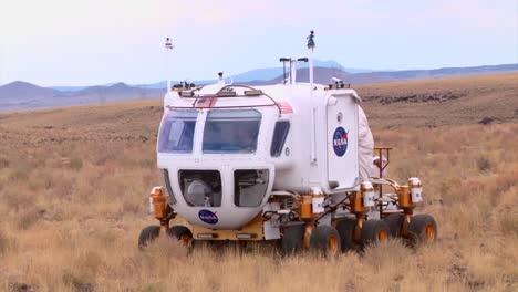 Nasa-Engineers-Test-New-Rovers-And-Lunar-Vehicles-In-The-American-Arizona-Desert-1