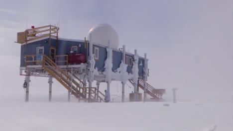 Una-Estación-De-Investigación-En-El-ártico-Helado
