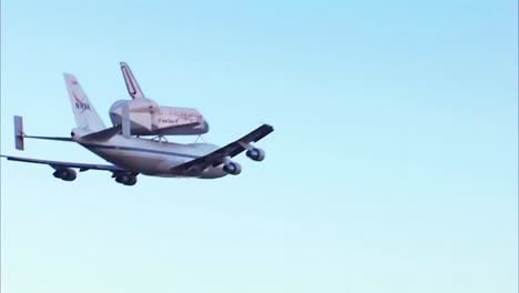 The-Space-Shuttle-Discovery-Piggybacks-On-The-Back-Of-A-747
