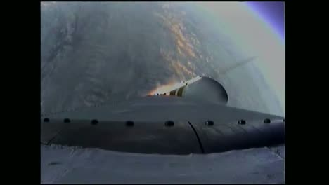 El-Lanzamiento-De-La-Nave-Espacial-Orion-De-La-Nasa-1