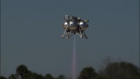 A-Futuristic-Spacecraft-Called-Morpheus-Is-Tested-By-Nasa-4
