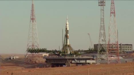 Un-Cohete-Ruso-Soyuz-Despega-De-La-Plataforma-De-Lanzamiento-1