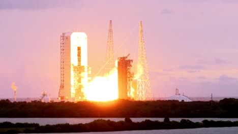 The-Launch-Of-The-Nasa-Orion-Spacecraft-4