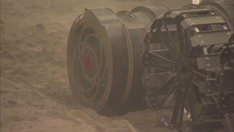Mars-Rovers-Are-Tested-By-Nasa-To-Simulate-The-Surface-Of-Mars-In-A-Dust-Room